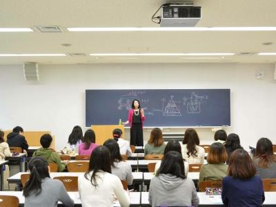 薬学生の前でファスティング講座